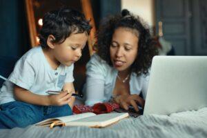Apoyo económico para madres solteras
